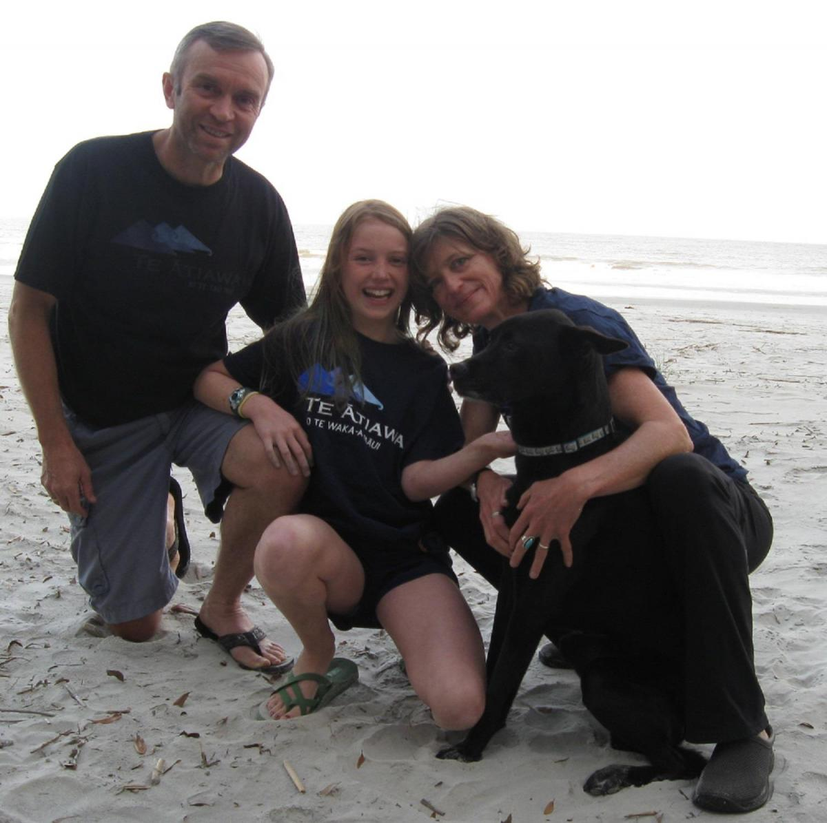 Te Atiawa Whānau - Hoodies & T-Shirts  - Bruce Hills, Lucie Aroha Hills, Susan Thompson & pet Katie - Hunting Island State Park, South Carolina, USA